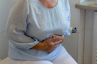 Рассмотрим основные причины запоров у пожилых людей
